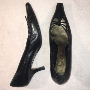 Browns Couture size 8 Kitten Heels
